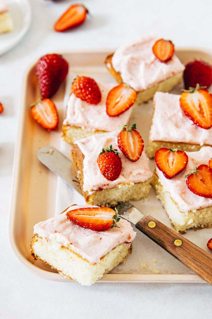 small batch strawberry cake