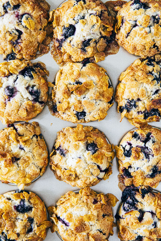 blueberry cornflake muffins