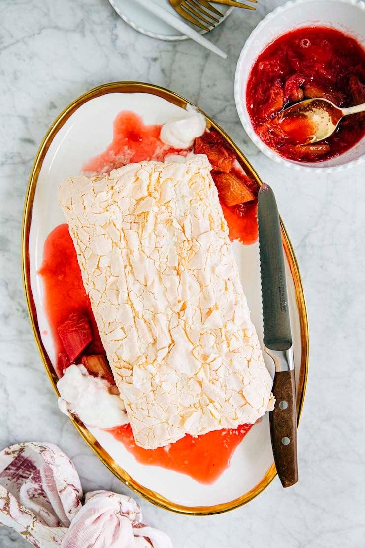 rhubarb pavlova roulade recipe
